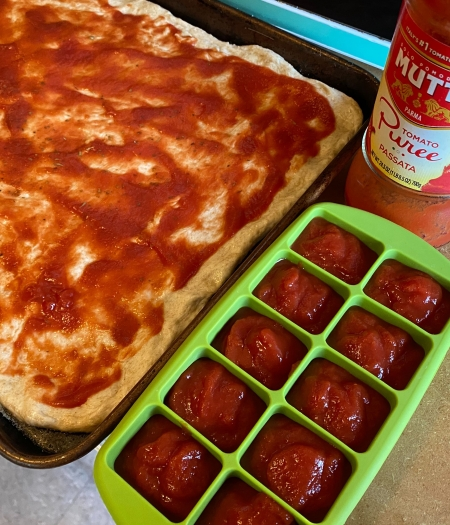 Freeze any extra tomato sauce, pesto, or other sauces for future simple defrosting needs
